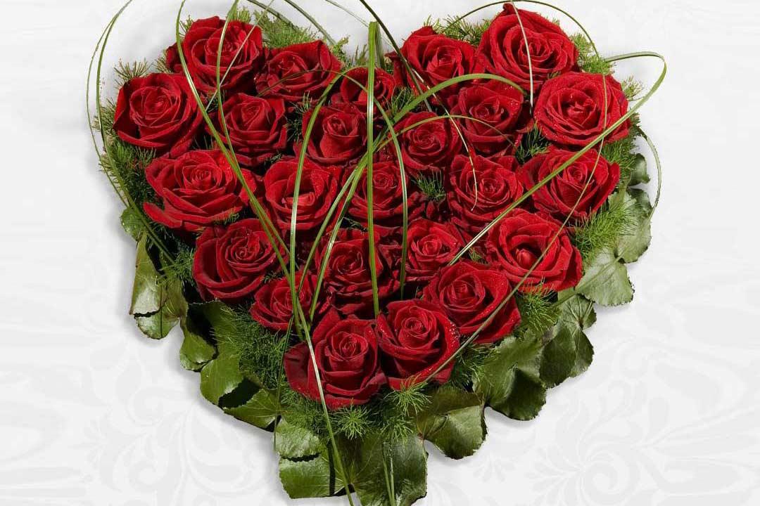 Cuore Di Rose Rosse O Bianche